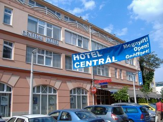 Central Hotel Fortuna Kávézó Casino
